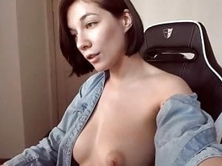 Curvy babe big natural boobs tits big nipples shaved pussy
